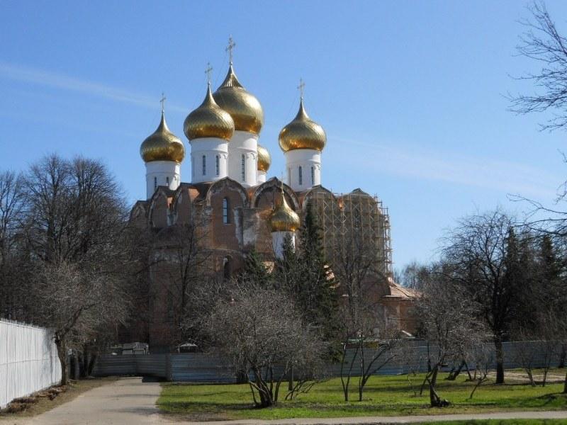 Свято-Успенский собор в Ярославле фото