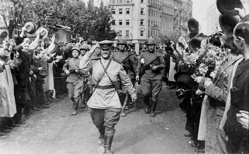 Советские солдаты в Белграде